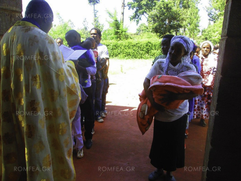 Групна крштевка на деца во Кенија