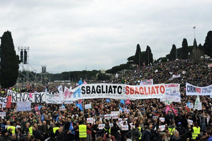 Стотици илјади Италијанци против хомосексуалните бракови