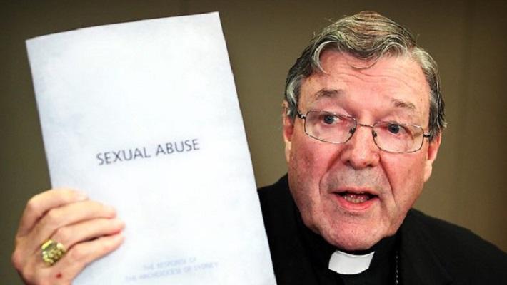 """Ватиканскиот """"министер за економија"""" обвинет за педофилија"""