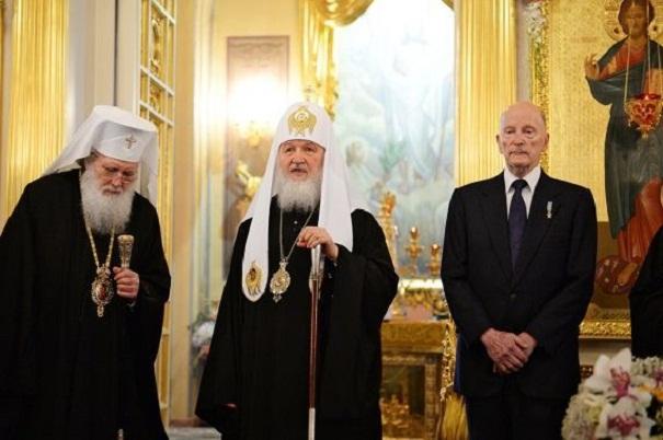 Бугарскиот цар со солзи ја вратил иконата од татко му на Патријархот Кирил