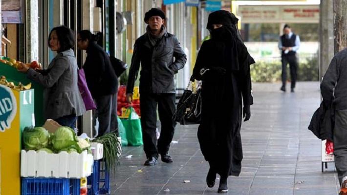 Бугарија ќе забрани носење бурка на јавни места?