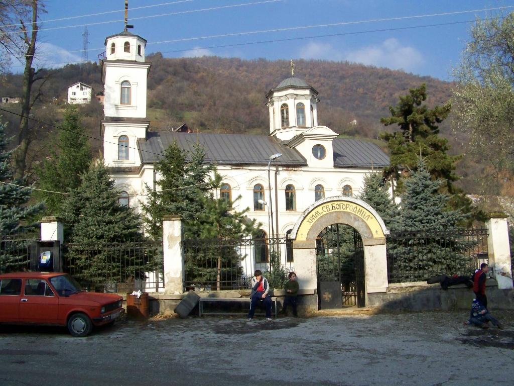 Ограбена црква во Тетово