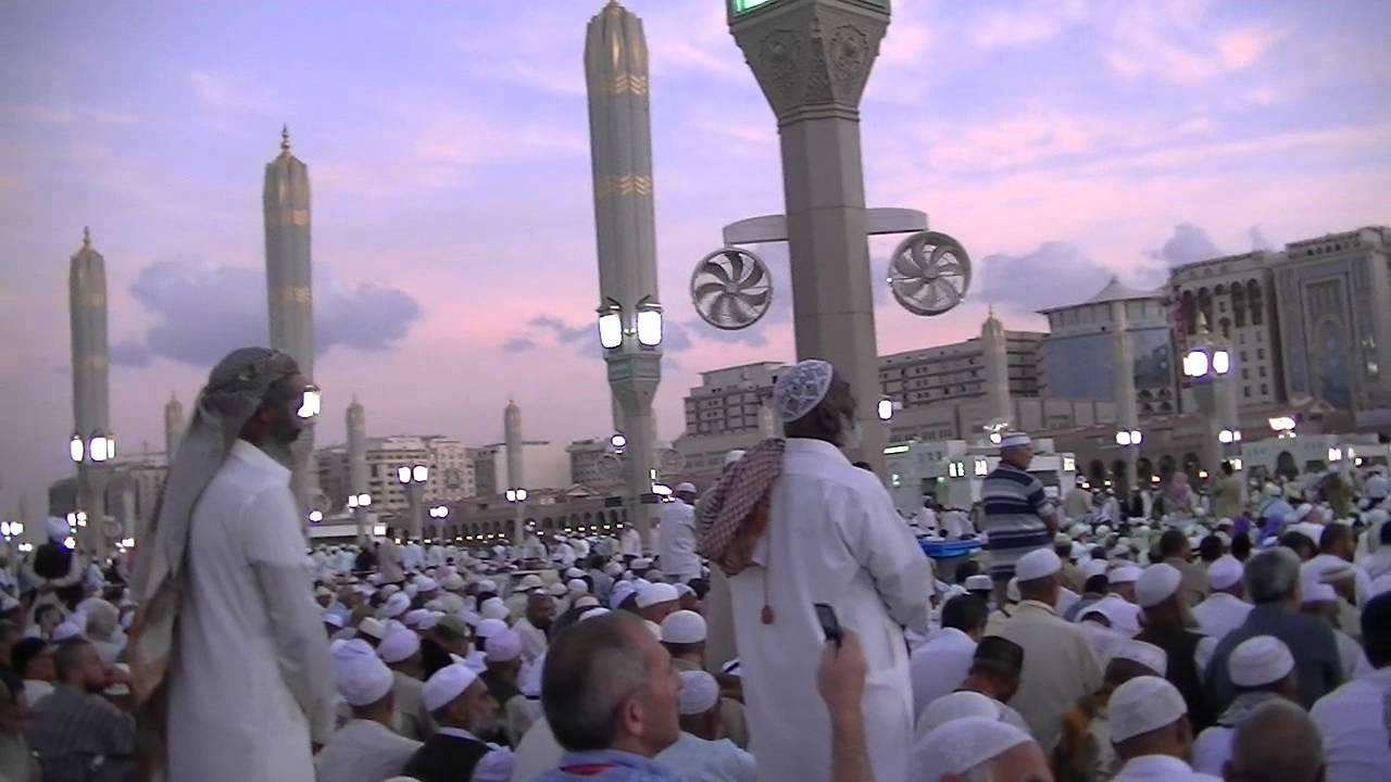 На аџилак во Мека со електронска нараквица и GPS
