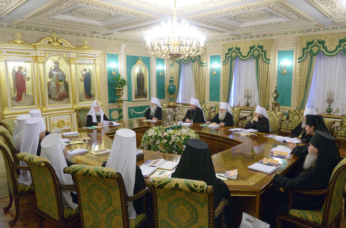 Вартоломеј доведен до ѕид, Москва бара вонредна средба на Поглаварите