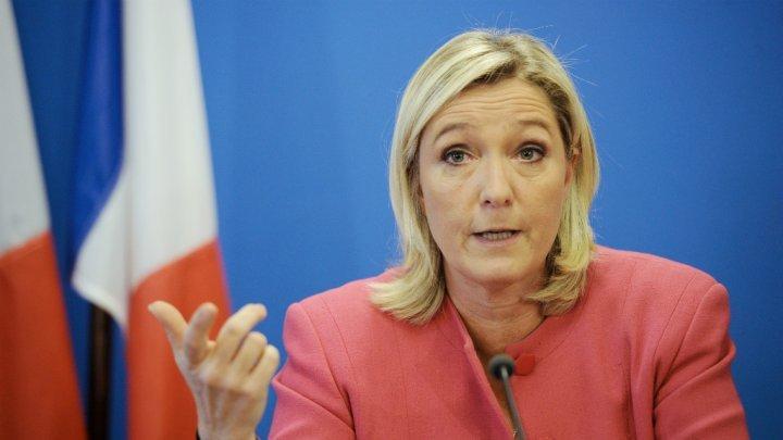 Ле Пен: Битката против буркини не е готова
