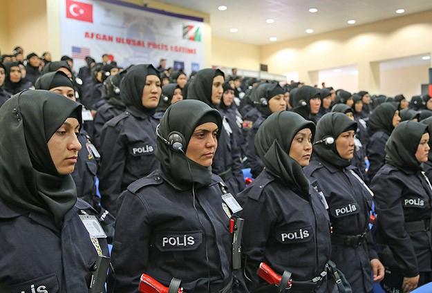 Турските полицајки добија дозвола да носат хиџаб