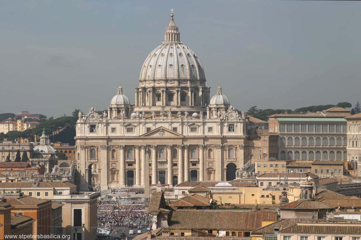 Кардинали повикаа на прекин на хомосексуалната агенда на Црквата