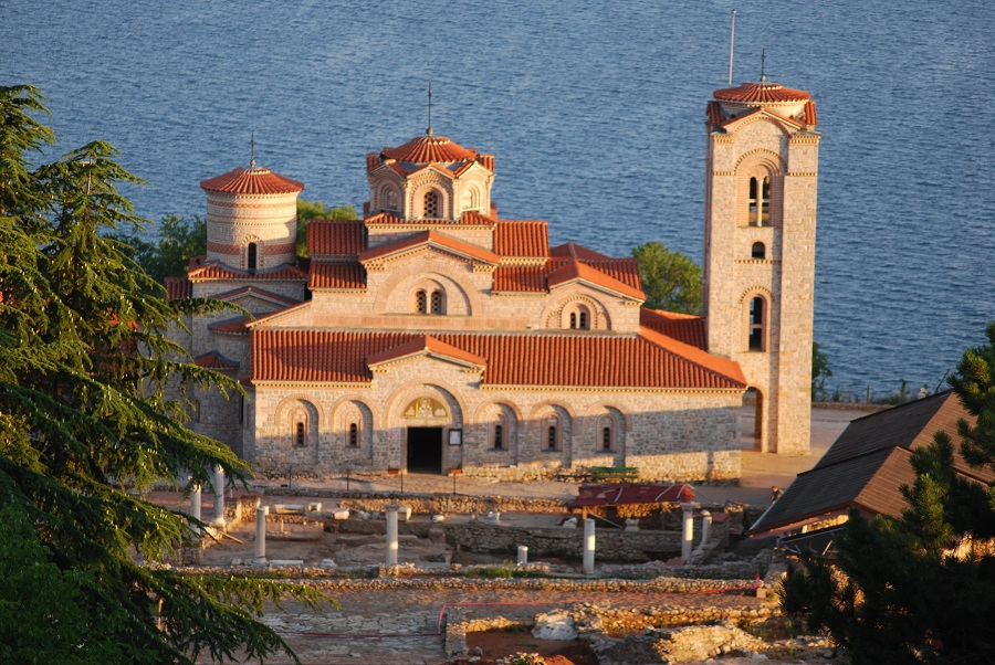 Викендов Охрид центар на духовениот и црковен континуитет и непокор