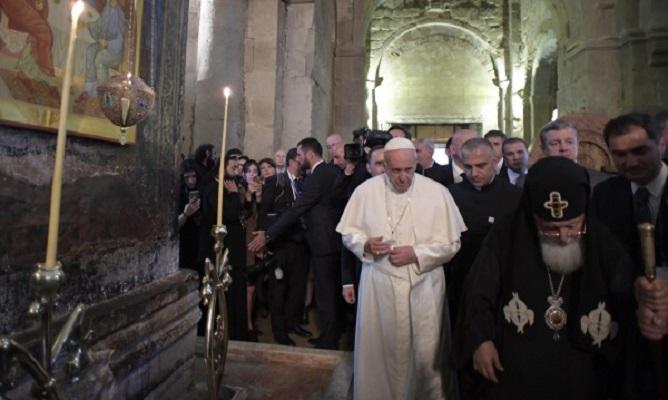 ФРАНЦИСК: Екуменизмот не значи од Православен да постанете Католик
