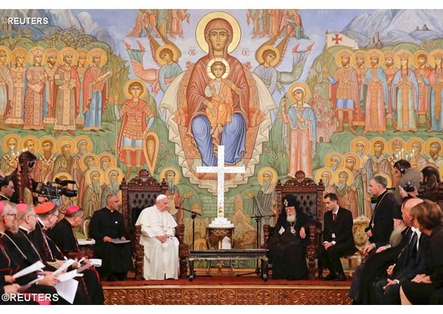 """Папата Франциск во """"мисија на мирот"""" во кавкаскиот регион"""