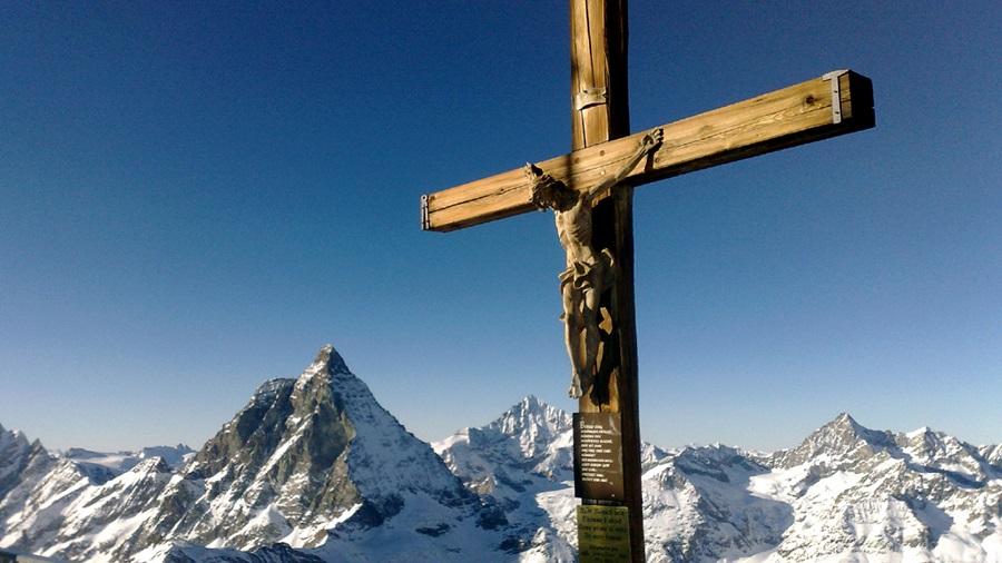 Швајцарците бараат Крстот да остане дел од јавните места