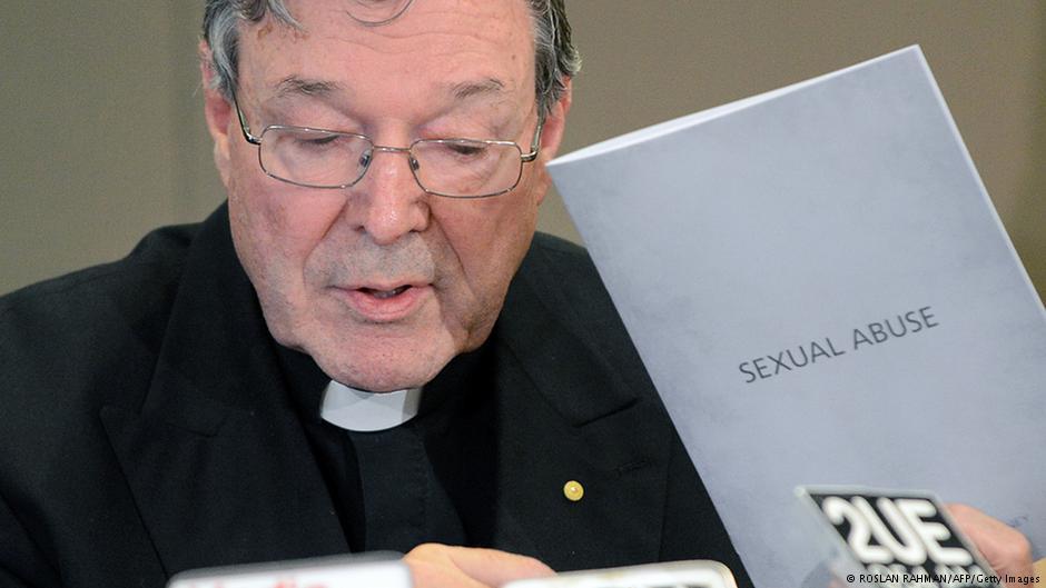 Третиот човек во Ватикан под истрага за педофилија