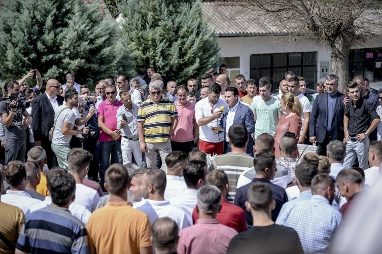 Заев во Арачиново: Универзални се вредностите на празникот Курбан Бајрам