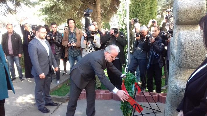 Џафери: Никогаш нема да го заборавиме холокаустот