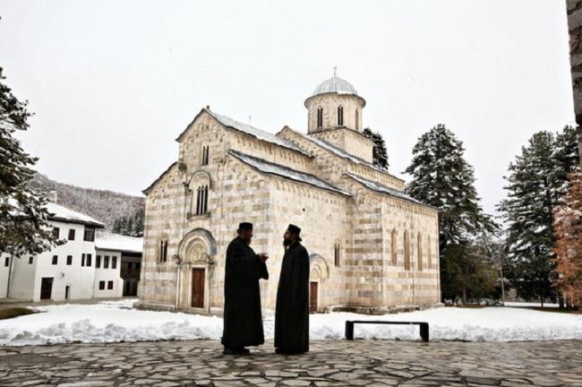 Србија лани платила 222 милиони динари за здравствено и пензиско осигурување на свештениците