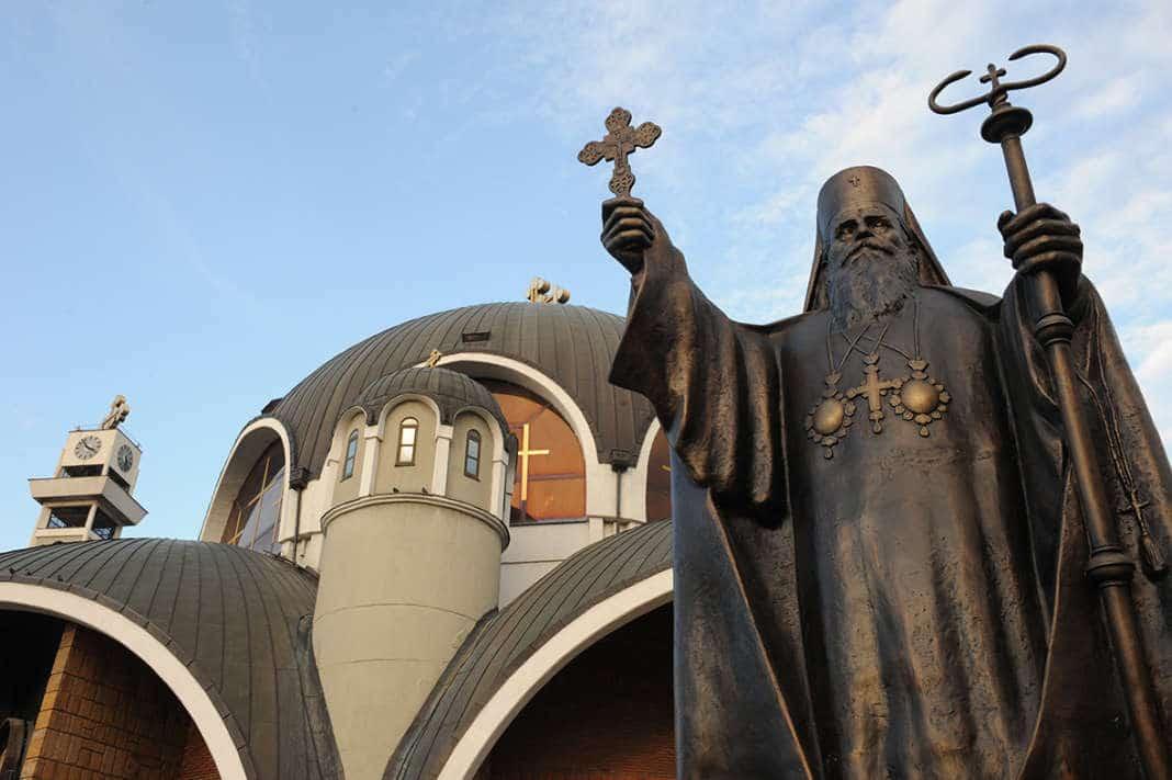 Верниците ги одобруваат писмата на Пендаровски и Заев до Вселенскиот патријарх