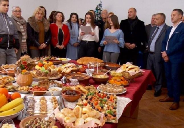 Во техничкото училиште во Куманово во мултиетнички дух се прослави Бадник