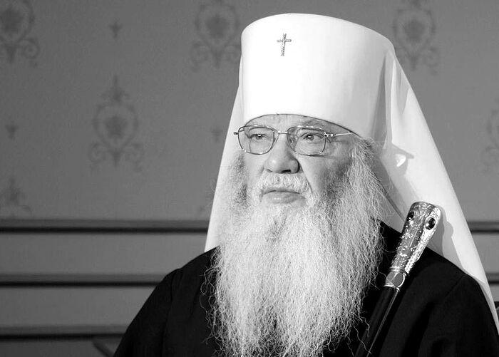 Митрополитот Јов од Московската патријаршија почина од Ковид 19
