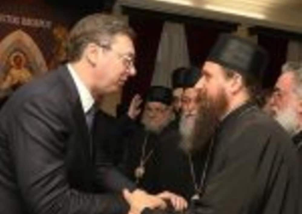 Српски владика: Распетието на Вучиќ е наше воскресение