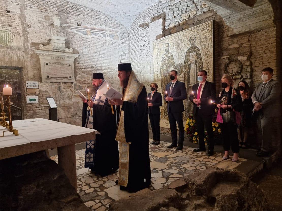 Владиката Пимен отслужи молебен на гробот на Свети Кирил