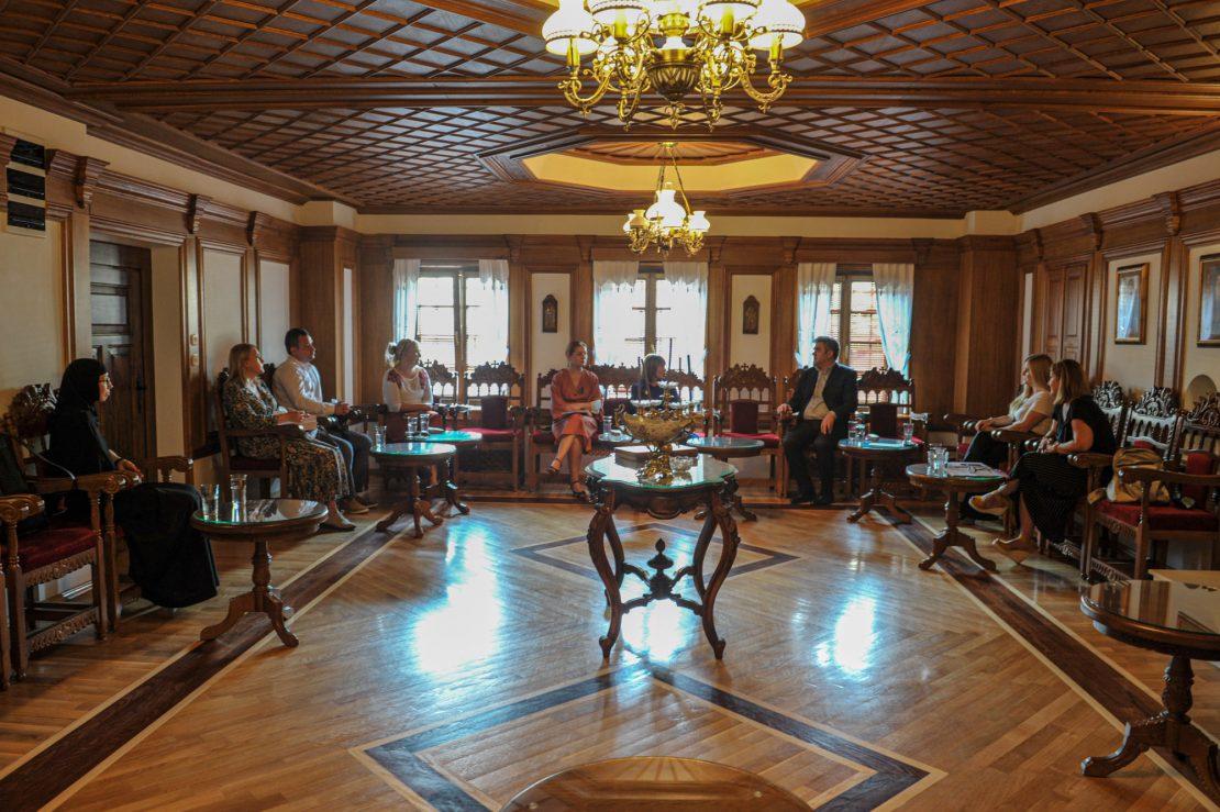 Царовска на средба со професорите по Етика на религии во Бигорски