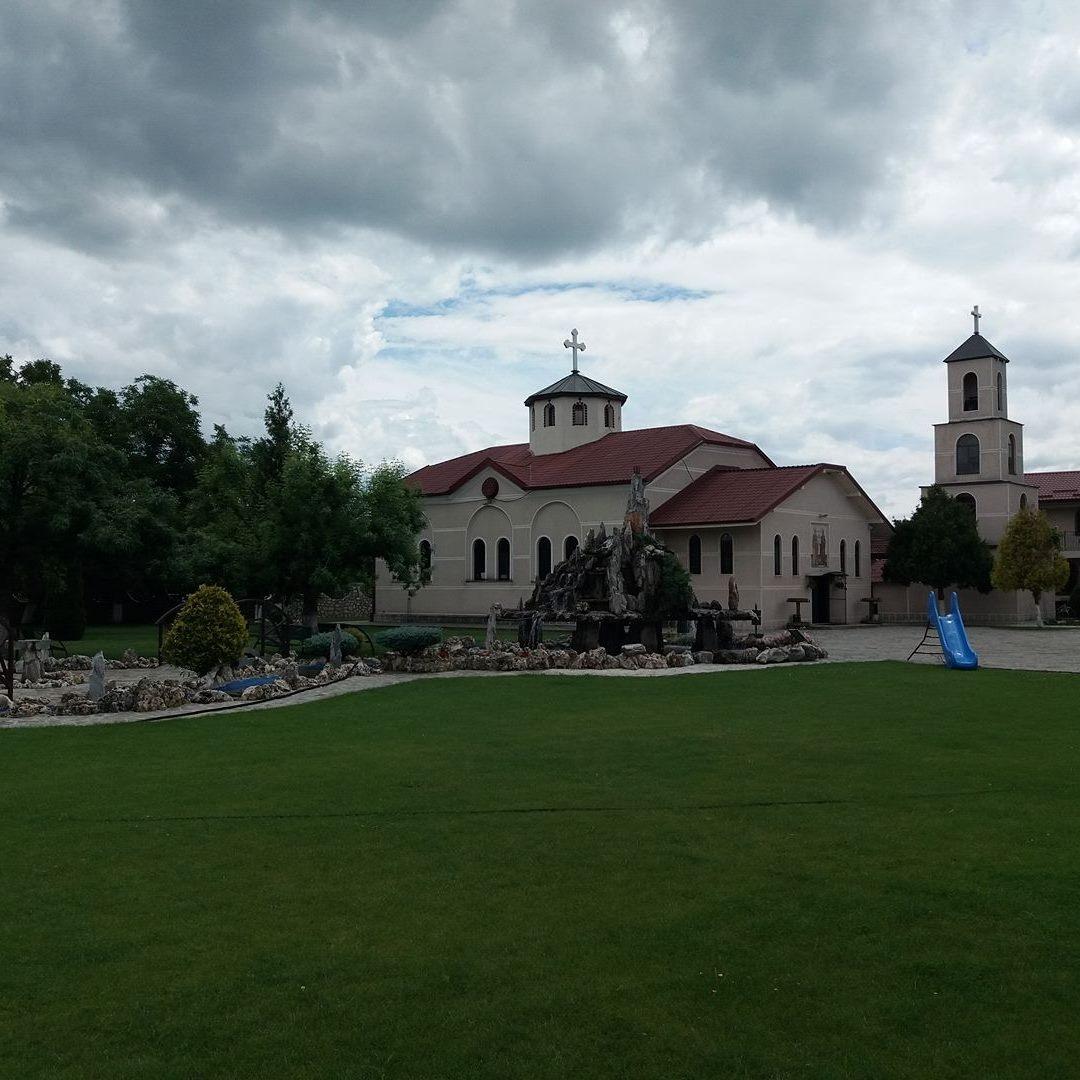 Разбојник украл пари и предизвикал пожар во црква во Лисиче