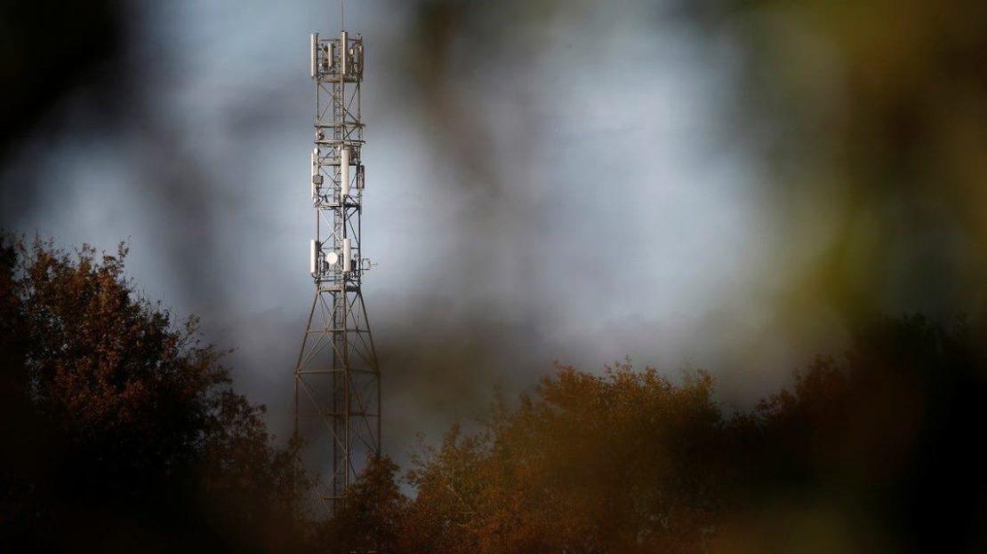 Упасени двајца монаси, палеле 5Г антени за да ги спасат луѓето